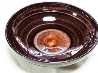 皿 赤ワイン色の画像