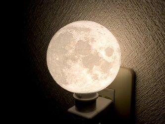 月 コンセントライトの画像