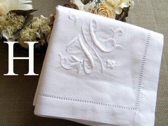 Aging手刺繍イニシャルハンカチ ホワイトHの画像