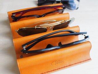 【新作】アイウェアスタンド メガネ置き 【名入れ・選べる革とステッチ】の画像