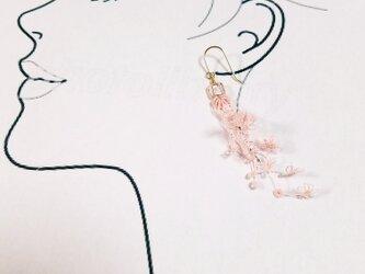 タティングレース編みのピアス【14kgf】の画像