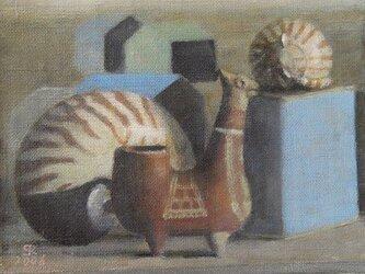 メキシコの置物とオウム貝の画像