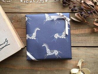 A4サイズのうす紙【花まとう馬】の画像