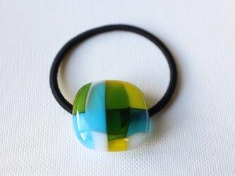 水色マドラスチェック*ガラスのヘアゴムの画像