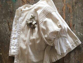 しろまめ。。。suMire-bouquet     布花コサージュの画像