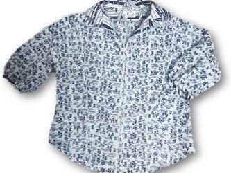 41 着ると可愛いレトロ抜き衿プルオーバーシャツ(白紺)の画像