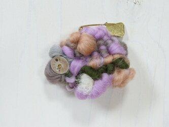 帽子にも合う weaving ブローチ (ラベンダー)の画像