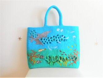 海の中の景色 バッグの画像