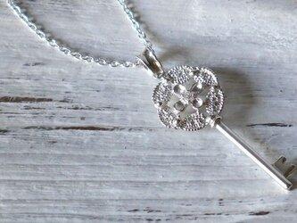 lace key necklace(sv*ジルコニア)★レース★キー★ネックレス★鍵★シルバー★花★ロングネックレスの画像