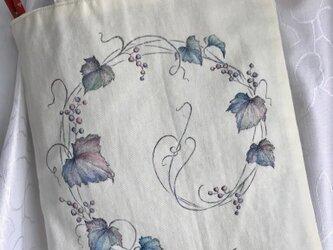 山葡萄の手描きバックの画像