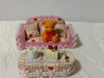 ケーキのようなミニチュア ソファー&テーブル の画像