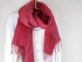 手紡ぎ・手織りのシルクショール 赤の画像