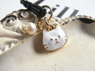 白猫ちゃんフェイスと淡水パールのイヤホンジャック 2431-*の画像