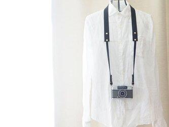 シンプル本革カメラストラップ コンパクトカメラ・デジカメ用の金具付き ブラック【受注生産】の画像