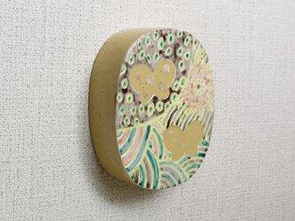 きいろい壁飾り(ちょうとちょう)の画像