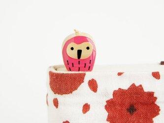 木のフクロウしおり(ブックマーカー)ピンクの画像