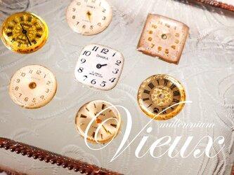 ヴィンテージ時計のブローチ  temps Ⅲの画像