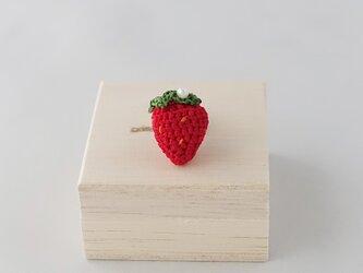 イチゴのピンブローチの画像