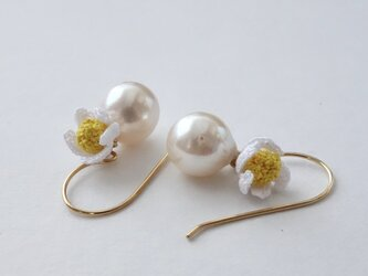 pearl & small flowerの画像