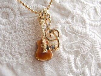 ギターとト音記号のネックレス  2436-*の画像