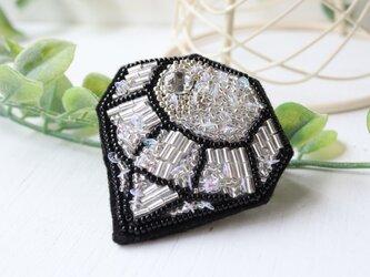 オートクチュール刺繍ブローチ ダイヤのイネスの画像