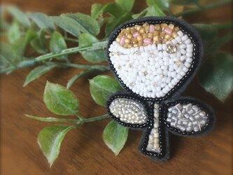オートクチュール刺繍ブローチ お花のhanakoさんの画像