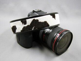 カメラストラップ(牛)の画像