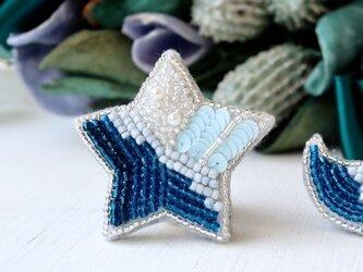 透明感ののある碧の星、オートクチュール刺繍ブローチ、リュカの画像