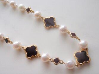 天然アコヤ真珠&お花ネックレスの画像