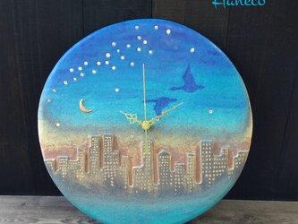 壁掛け時計 夕景の画像