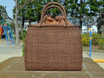 山葡萄(やまぶどう)籠バッグ   網代編み   巾着と中布付き   (約)幅31cmx高さ25cmx奥行12cmの画像