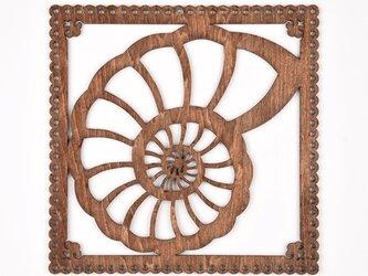ウッドフレーム「アンモナイト」(木の壁飾り Wooden Wall Decoration)の画像