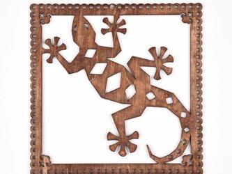 ウッドフレーム「ヤモリ」(木の壁飾り Wooden Wall Decoration)の画像