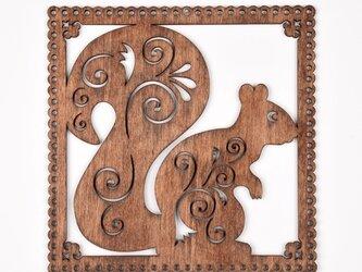 ウッドフレーム「リス」(木の壁飾り Wooden Wall Decoration)の画像