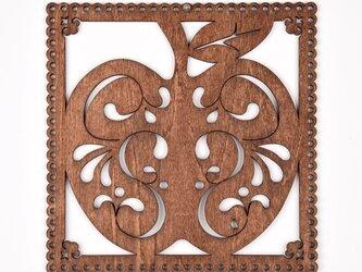 ウッドフレーム「リンゴ」(木の壁飾り Wooden Wall Decoration)の画像