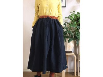 バイカラータックギャザースカート ネイビー×レンガ ~SAIE~の画像