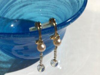 オレンジ淡水パール&水晶イヤリングの画像