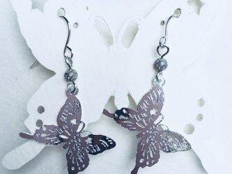 【水に強い、わずか5グラムのペーパーピアス】蝶の画像