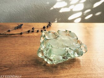 ガラスのインテリアオブジェ -「まるいガラス」#101 ● 約8cm角の画像