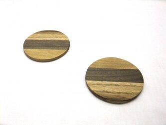 3種木のコースターの画像