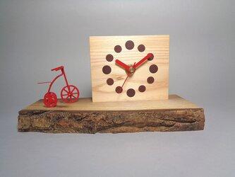 三輪車の時計の画像