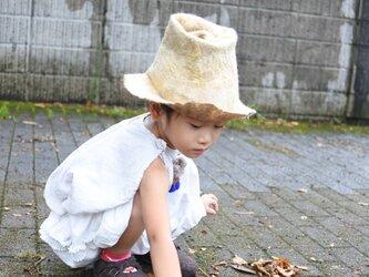 kids ハット felt 〜淡黄 × 茶〜 【リバーシブル対応】(2歳〜6歳頃)の画像