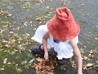 kids ハット felt 〜赤 × 白〜 【リバーシブル対応】(2歳〜6歳頃)の画像