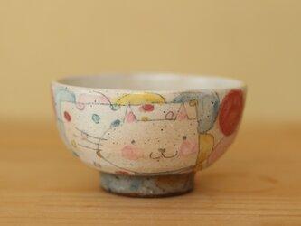 K様オーダー分 粉引きカラフルドットとねこのお茶碗の画像