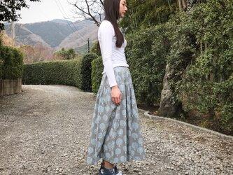 花咲く森のティアードスカート(グレー)の画像