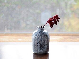 四角い花瓶に雪~黒色~の画像