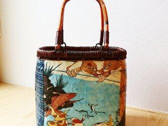 """一閑張りバッグ """"猫と金魚""""の画像"""