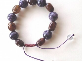 クラックアゲート・紫の天然石のブレスレットの画像