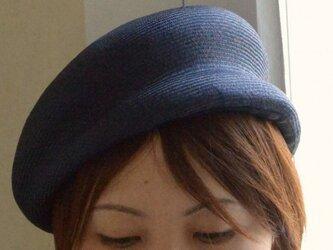 m様専用  夏素材のベレー帽(ネイビー)の画像