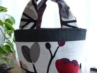 ~深紅のシックな花~・・北欧ミニトートバッグの画像